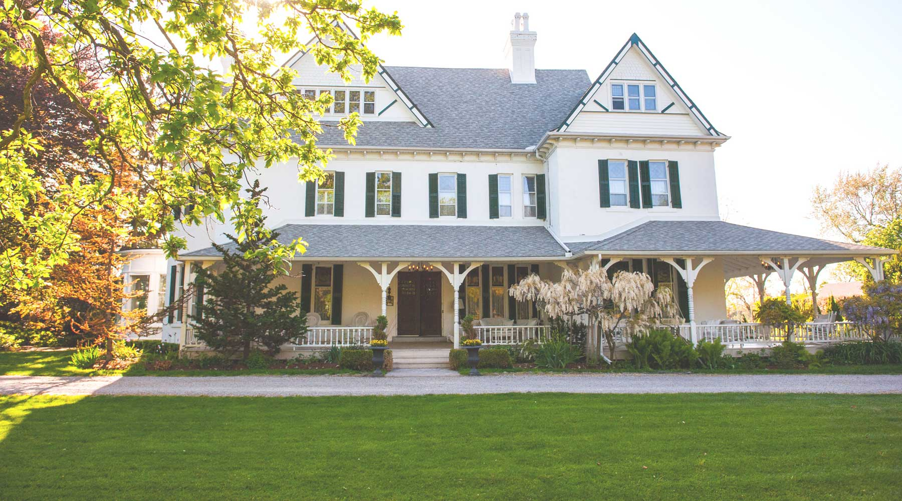 Grand Victorian Bed & Breakfast | Just Wine