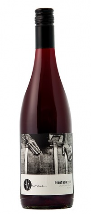 TH Wines 2016 Pinot Noir Bottle
