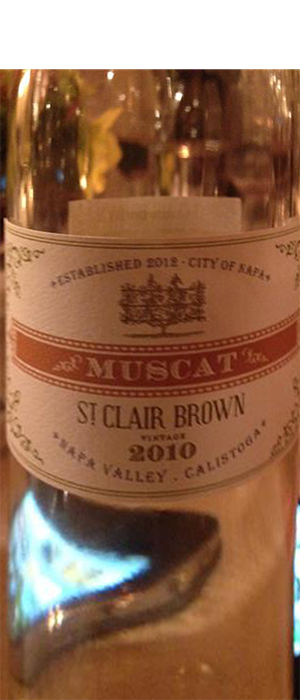 St. Clair Brown 2010 Muscat Bottle