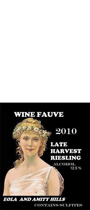 Late Harvest Riesling Bottle