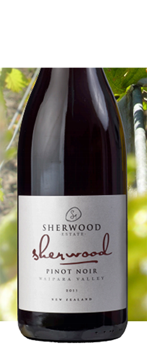 Signature Family  Pinot Noir Bottle