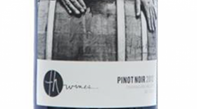 TH Wines 2013 Pinot Noir Label