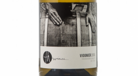 TH Wines 2016 Viognier Label