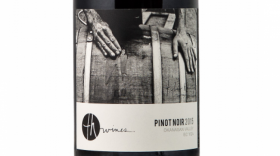 TH Wines 2015 Pinot Noir Label