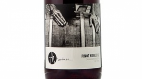 TH Wines 2016 Pinot Noir Label