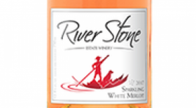 River Stone Estate Winery 2017 Sparkling White Merlot Label